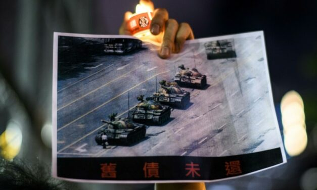 Famed 'Tank Man' Photo Vanishes from Bing Search Engine