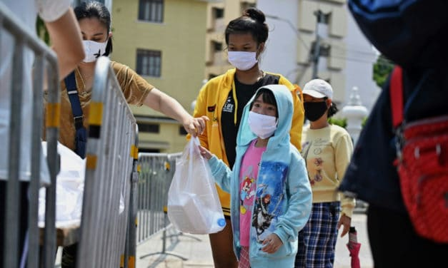 Unemployed Thais Relies on Free Food as Pandemic Hits Hard