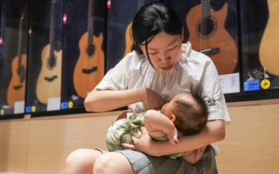 'A Total Lie': Misinformation Puts China's Moms off Breastfeeding