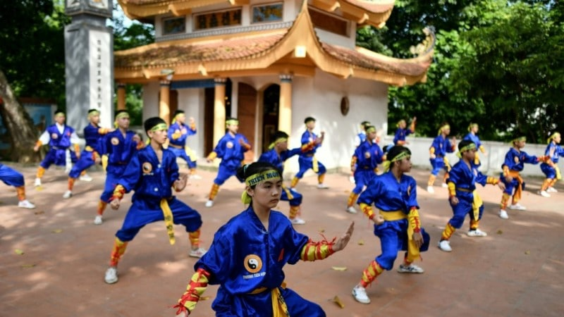 Thien Mon Dao Students Practice Inside the Bach Linh Temple in Hanoi.afp
