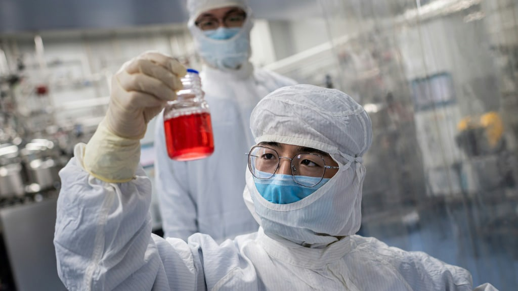 World Labs Scrambling to Come Up with a Vaccine.afp