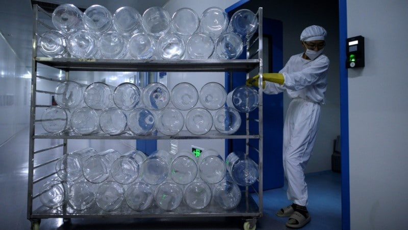 Yisheng Biopharma Workshop Converted into COVID-19 Vaccinne Production Line.afp