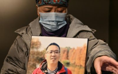 Wuhan Native Struggle to Move on One Year after Outbreak